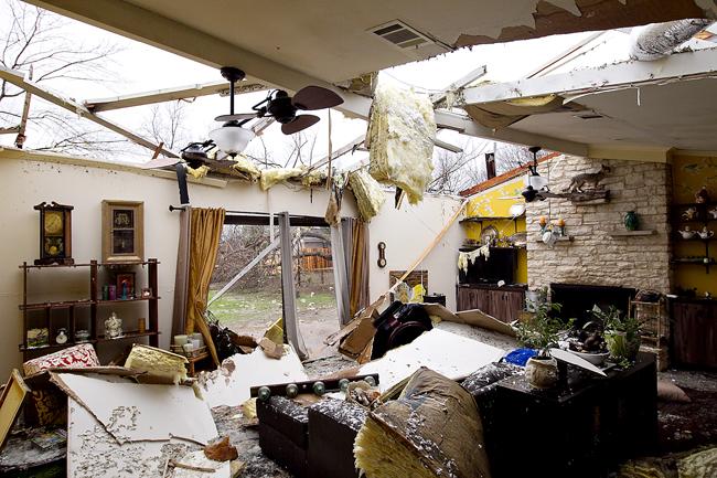 0126_Tornado_AP