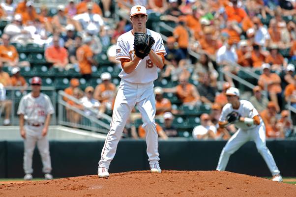 2011-05-01_Baseball_vs_OU_Corey