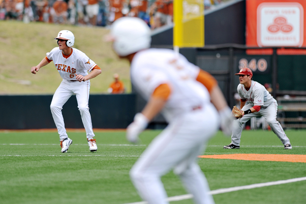 2011-05-01_Baseball_vs_OU_Corey