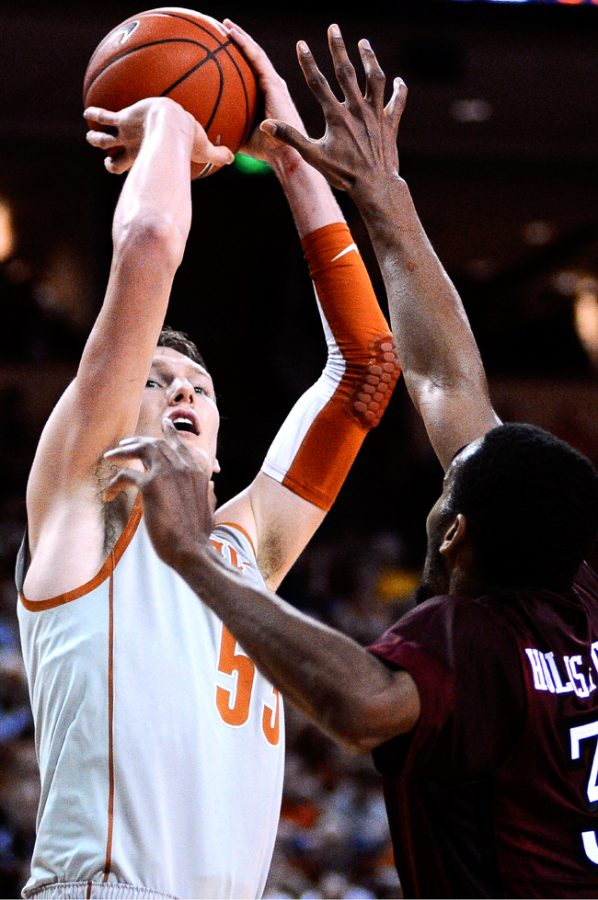 2011-12-17_Basketball_vs_Temple_Lawrence