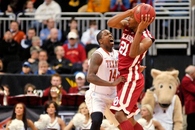 2011_03_10_Big12_VS_Oklahoma_Lawrence