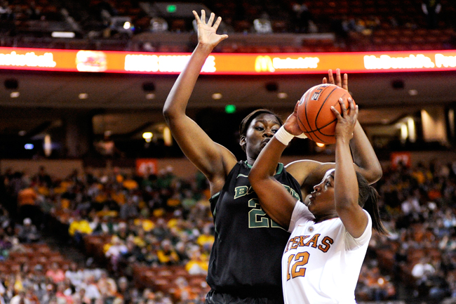 2012-01-15_Basketball_vs_Baylor_Elisabeth