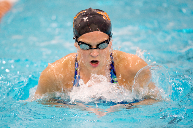 2012-02-08_Swimming_Practice_Elisabeth_Dillon1031