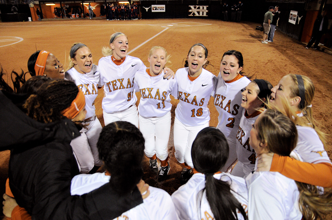 2012-02-09_Softball_vs_CalState_Lawrence_Peart709