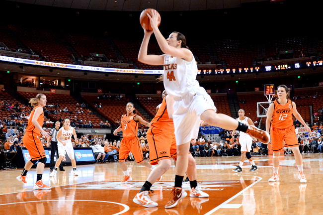 2012-02-11_Basketball_vs_OklahomaState_Rebeca