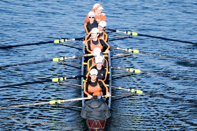 2012-02-11_Womens_Rowing_Fighting_Nutria_Zachary_Strain3208