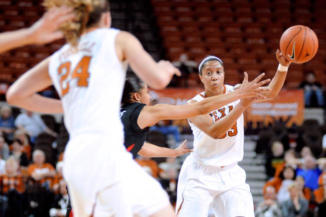 2012-02-15_Basketball_vs_Tech_Elisabeth_Dillon3582