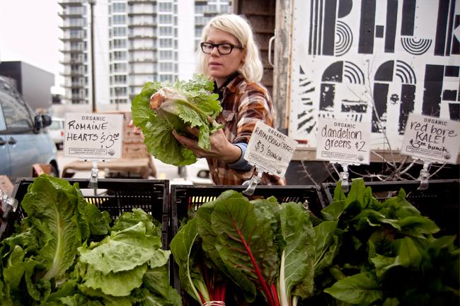 2012-02-18_Foodie_Buzzwords_Farmers_Market_RyanEdwards0044