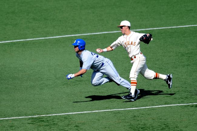 2012-02-19_Baseball_vs_Duke_Elisabeth_Dillon2394