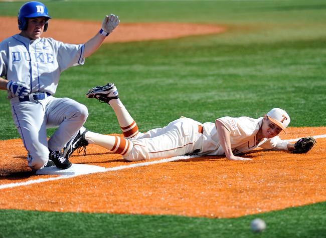 2012-02-19_Baseball_vs_Duke_Elisabeth_Dillon3195