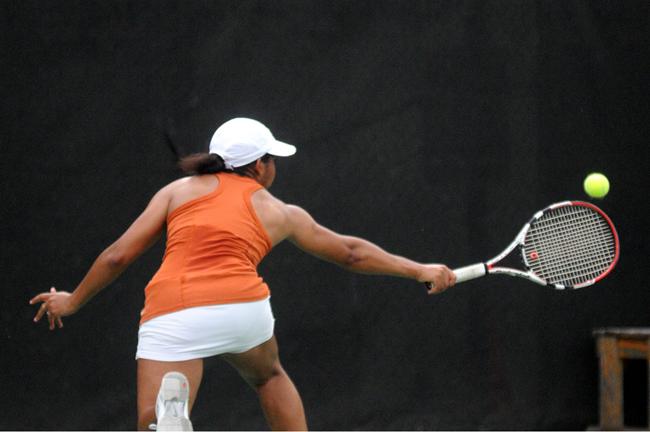 2012-03-09_Womens_Tennis_Rebecca_Howeth4332