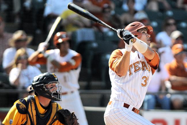 2012-03-31_Men%27s_Baseball_Rebecca_Howeth14338