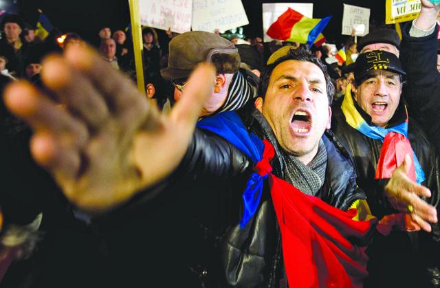 AP_Romania+Protests+Baco_admi-1