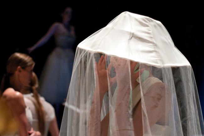 DOM_2012-04-20_UT_contour_fashion_show_Andreina_Velazquez3589