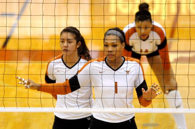 FILE_PHOTO_2011-10-05_Volleyball_A%26M_Amanda