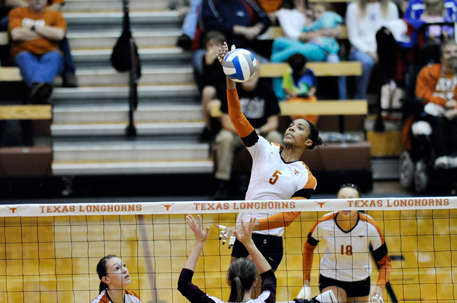 FILE_TITLE9_2011-12_02_Volleyball_vs_Texas_State_Elisabeth
