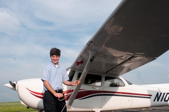 FLYING_2012-03-30_UT_Flying_Club_FannyTrang7208
