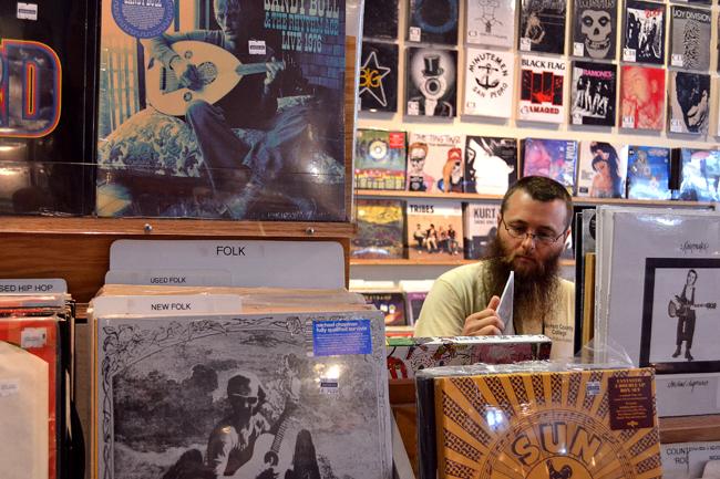 RECORDS_2012-04-19_Waterloo_Records_Raveena