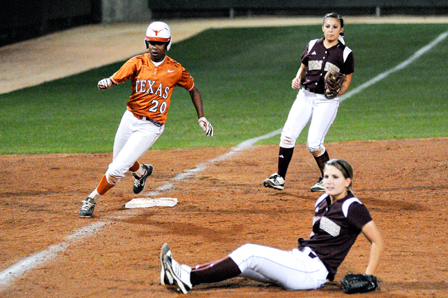 SOFTBALL_2012-02-29_UTsoftball_vs_TexasState_Zen