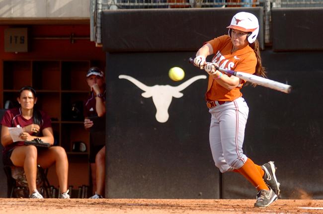 SOFTBALL_SIDER_2012-04-30_TexasvsA%26M_softball_Andreina_Velazquez3428