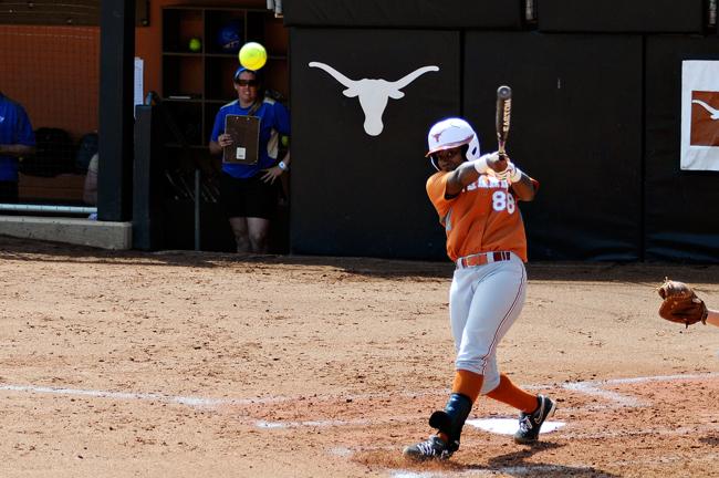 WSOFTBALL_2012-03-31_Women_Softball_Raveena