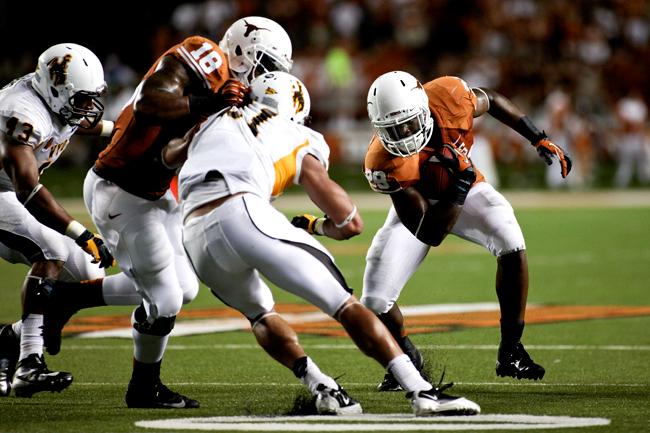 2012-09-01_Texas_vs_Wyoming_37-17_Zachary_Strain1601