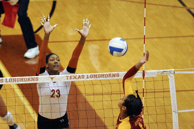 2012_10_17_Volleyball_TX_vs_Iowa_State_MarisaVasquez2197