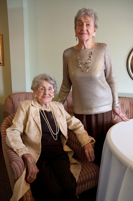 2012_10_22_90_Year_Old_Twins_Becca_Gamache2748