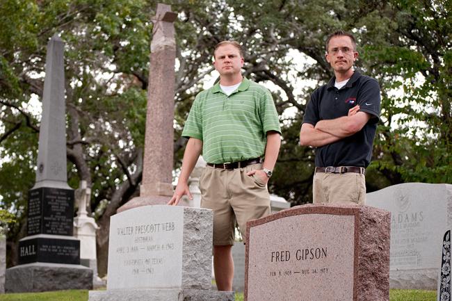 2012_10_24_Cemetery_Tour_Emily_Ng1329