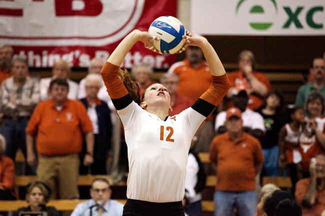 2012_10_17_Volleyball_TX_vs_Iowa_State_MarisaVasquez2590