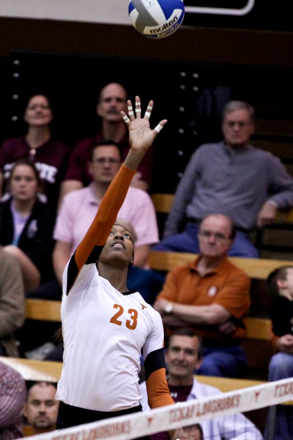2012_11_29_Volleyball_vs_Colgate_3_0_Zachary_Strain239
