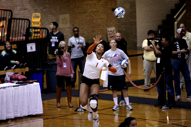 2012_11_29_Volleyball_vs_Colgate_3_0_Zachary_Strain219