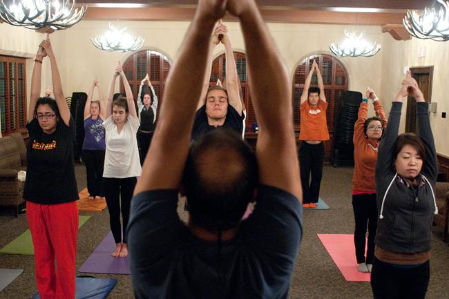 2012_12_06_Yoga_Anti_Stress_FannyTrang7417