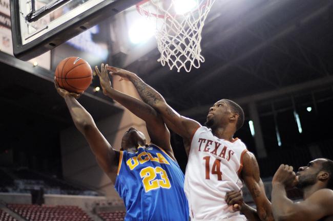 2012_12_08_vs_UCLA_Lawrence_Peart110