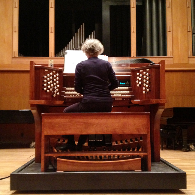 PA_Judith+Hancock+at+the+Aeolian+Skinner+Organ