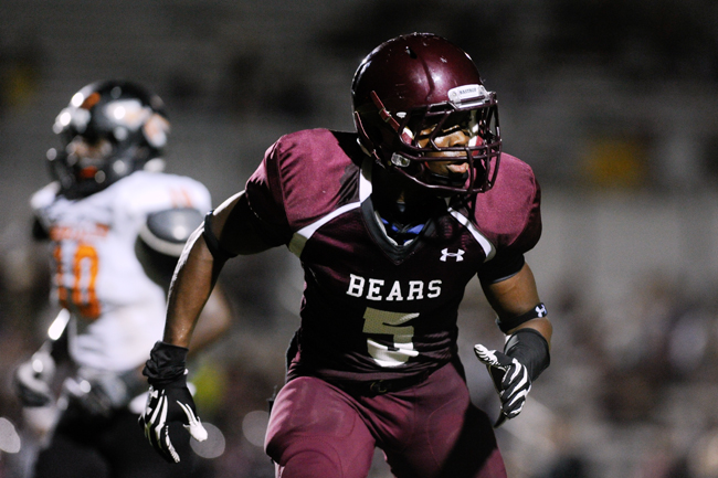 <p>Antwuan Davis, a defensive back from Bastrop High School, is among six defensive recruits currently committed to Texas and one of the most important assets of the 2013 class.</p>
