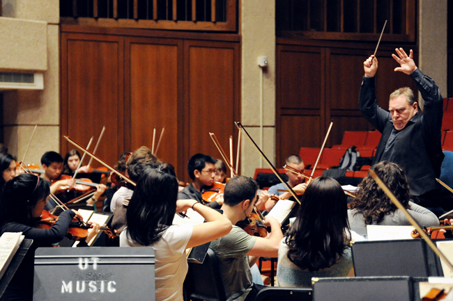 2013-02-18_Conductor_UT_orchestra_Marshall