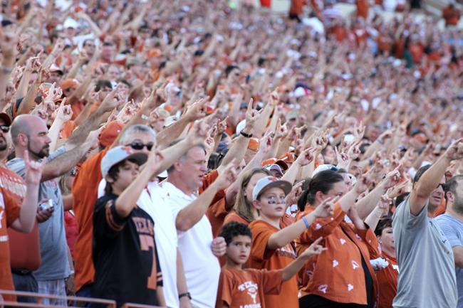 2012-09-01_Texas_vs_Wyoming_37-17_Zachary_Strain821