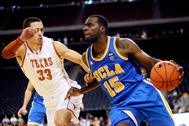 2012-12-08_Basketball_vs_UCLA_Elisabeth_Dillon06492