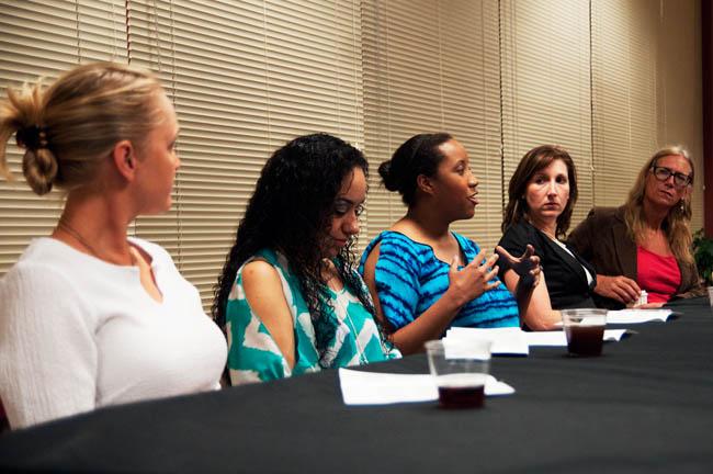2013_03_21_Womens_panel_Debby_Garcia01346