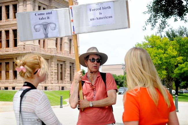 2013-06-24_Abortion_Capitol_Emily_Ng0671
