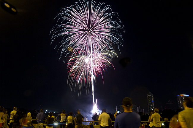 2013-07-04_4th_of_July_Fireworks_Guillermo_Hernandez
