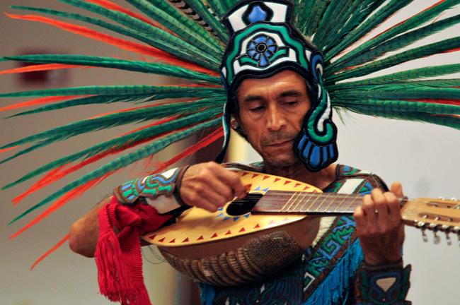 2013-10-15_Indigenous_People_Day_Fabian