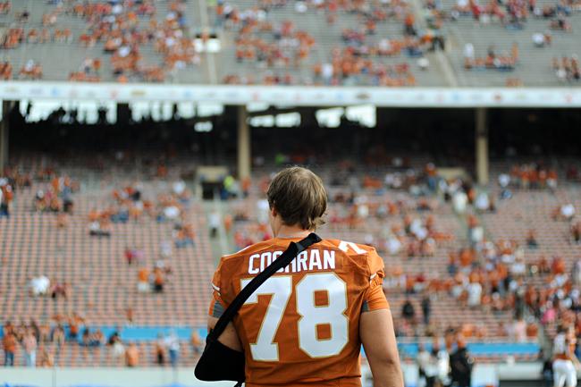 2013-10-03_Football_vs_Oklahoma_Elisabeth_Dillon4216