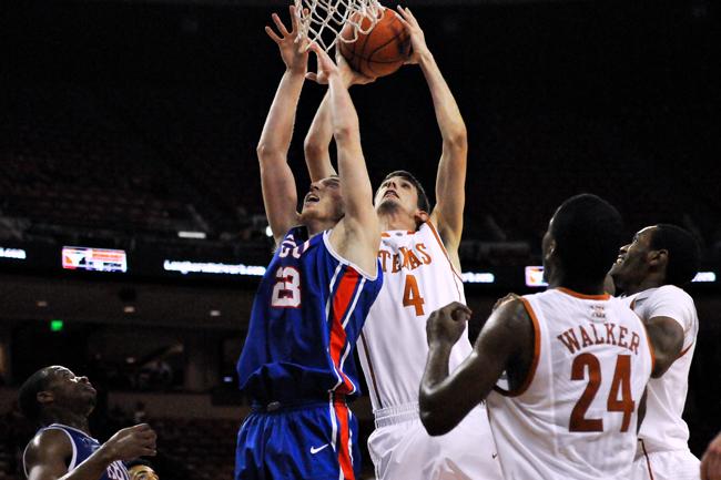 2013-11-18_Basketball_v_Houston_Baptist_Amy