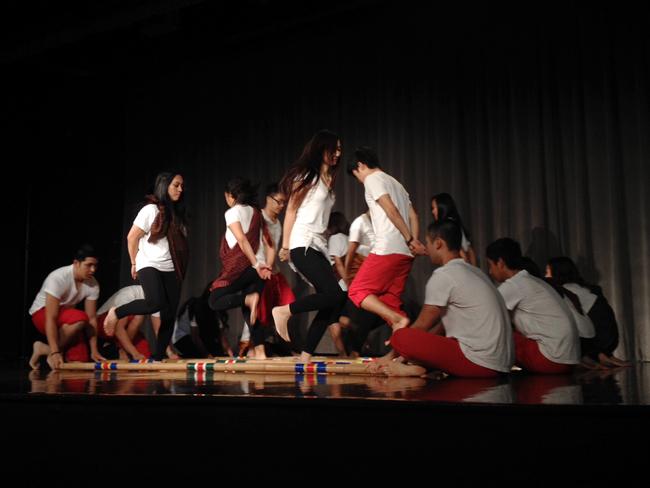 dancers_Haiyan_relief