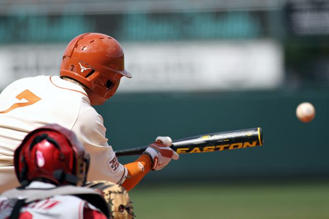 2013-04-08_UT_Baseball_vs_OU_Guillermo_Hernandez00455