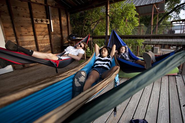 2014-08-27_hammocking_club_lauren