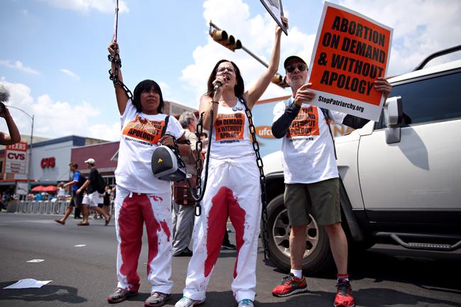 DOM_2014-08-28_Abortion_Protest_Sarah