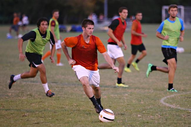 2014-09-08_Mens_Soccer_Practice_Jonathan
